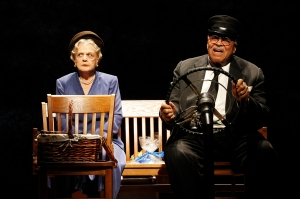 Angela Lansbury and James Earl Jones in DRIVING MISS DAISY (c) Jeff Busby